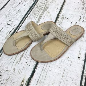 Frye Ali Artisnal Thong Sandals Sz 6 Cream